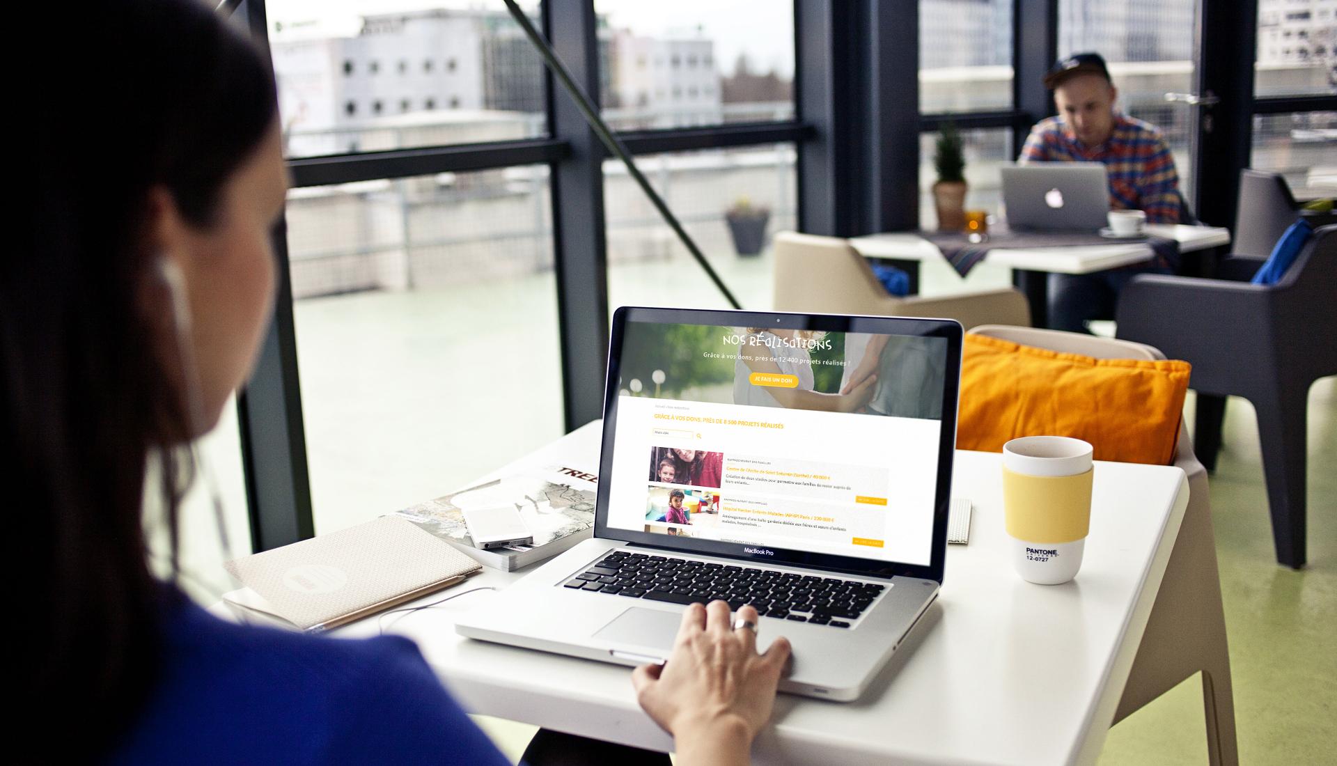 Pièces Jaunes - webdesign et social wall - Sharing Agency