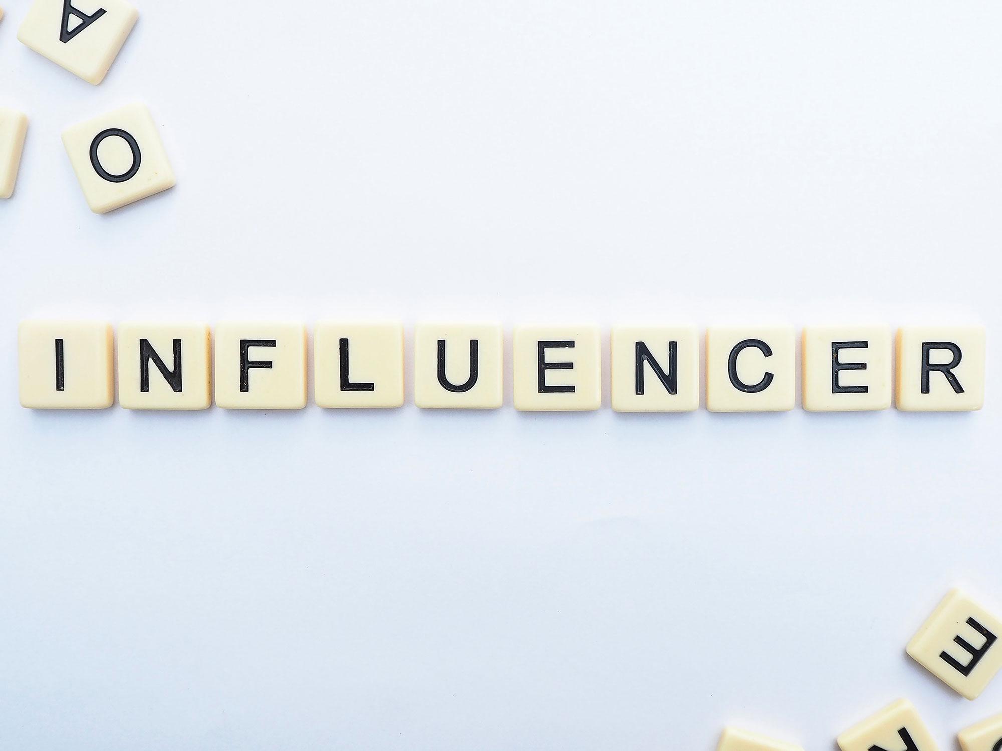 Comment trouver les meilleurs influenceurs - communication digitale - Sharing Agency