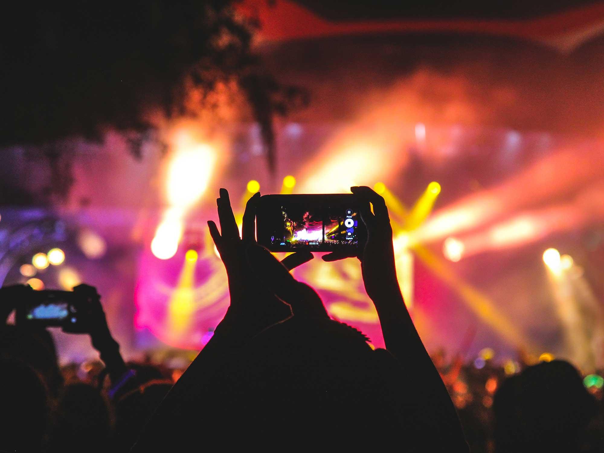 Reels pour réaliser des vidéos courtes sur instagram - Agence Sharing