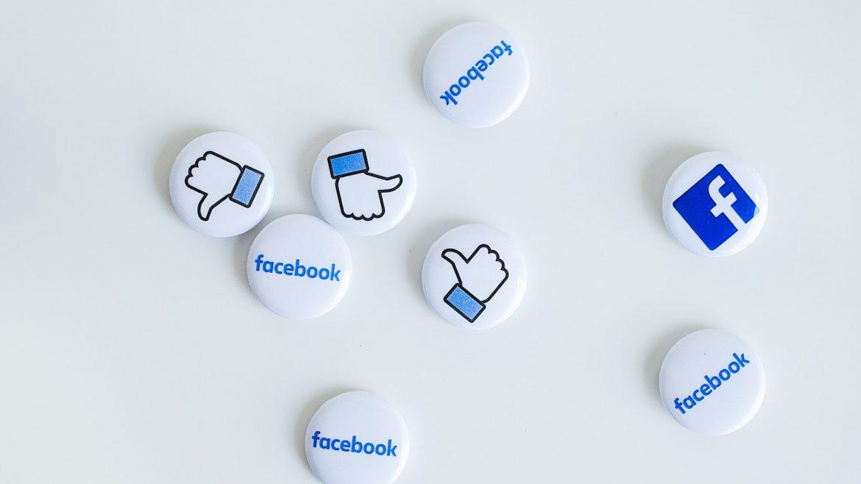 Facebook teste la liaison de compte aux abonnements aux actuailtés - Agence Sharing